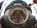 华龙示范工程福清核电5号机组设备闸门套筒吊装完成
